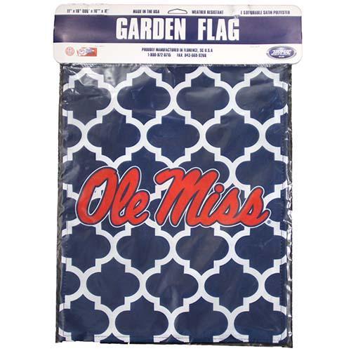 Om Quatre Foil Garden Flag