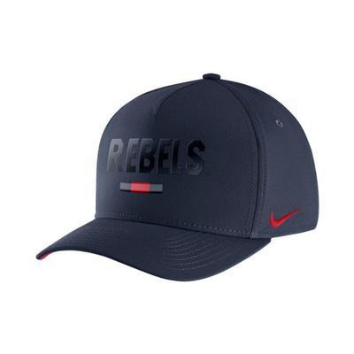 Nike Om Season Swoosh Flex