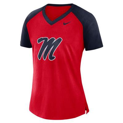 M COL W NIKE VNECK SS TOP RED