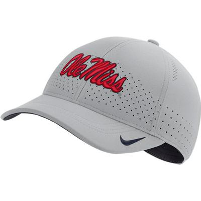 OLE MISS DRI-FIT LOW CROWN LEGACY 91 CAP SILVER
