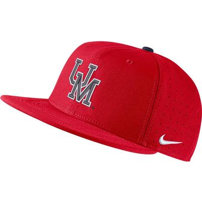 UM AERO TRUE BASEBALL FITTED CAP