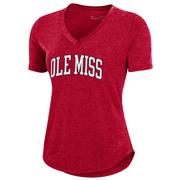 OLE MISS UA SS BREEZY V-NECK TEE